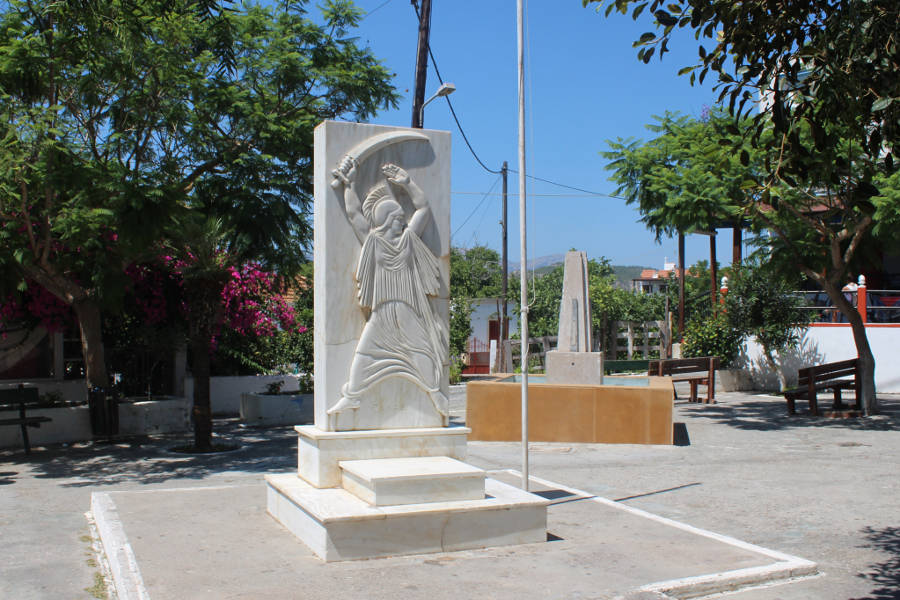 monument - center of Apolakkia
